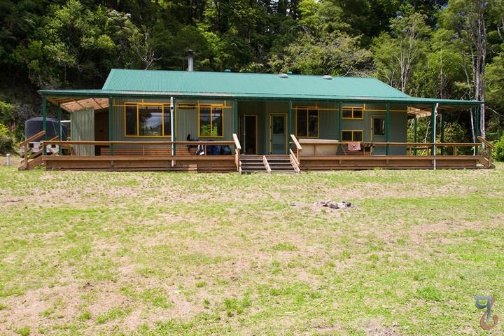 Waiopaoa Hut